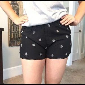 👍🏻Black Rayon Shorts